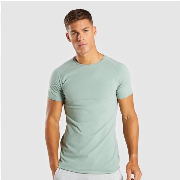 63bdd044765091 NWT gymshark men s eaze t-shirt in pale green